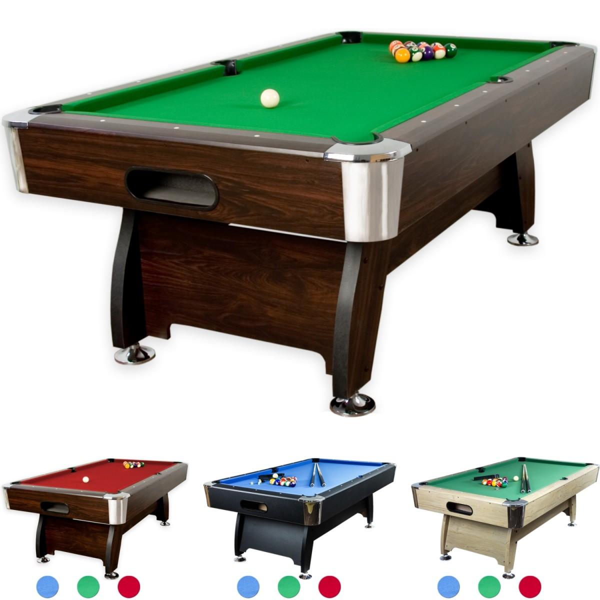 Pool Billardtisch Premium, Korpus in dunklem Holzdekor, Tuchfarbe grün. Mit dem Pool Billardtisch Premium wurden hohe Stabilität und präziser Kugellauf zu einem moderaten Preis realisiert. Ein zentraler Ballrücklauf führt die Kugeln nach vorn, wo diese leicht entnommen werden können. Dank der höhenverstellbaren Füße kann der Tisch ideal ausbalanciert und in die Waage gebracht werden. An den Ecken sorgt der Kantenschutz in Chrom-Optik vor Abplatzern. Pflegeleicht ist nicht nur der Korpus, sondern auch das Billardtuch. Die mitgelieferte Bürste befreit es rasch von Fusseln oder Krümeln. Der Korpus ist komplett vormontiert. Es müssen nur noch die Beine angebracht werden. Im Lieferumfang ist alles enthalten, um sofort mit dem Spiel beginnen zu können! Preis: 347.99 €